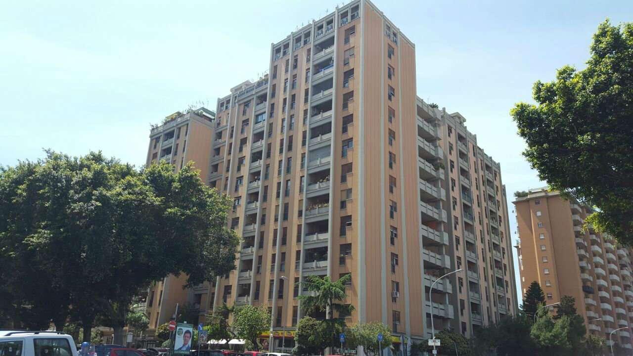 Appartamento in Vendita a Palermo Centro: 4 locali, 140 mq