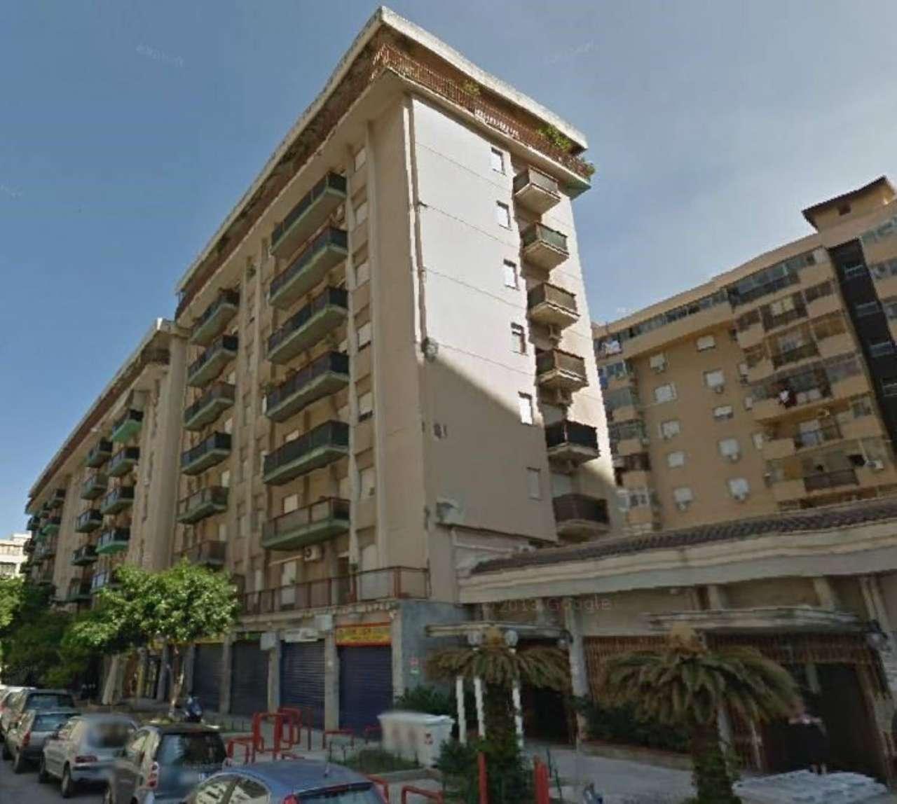 Appartamento in Vendita a Palermo Centro: 2 locali, 60 mq