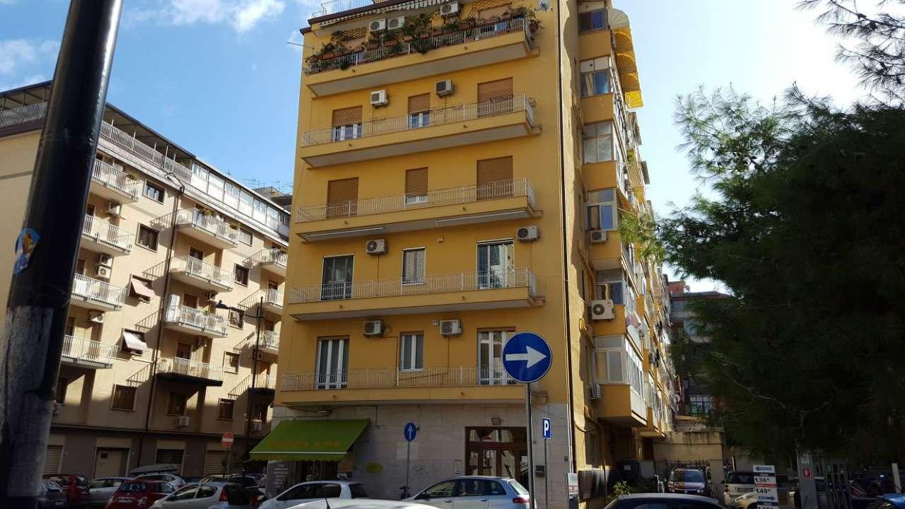 Appartamento in Affitto a Palermo Centro: 3 locali, 106 mq