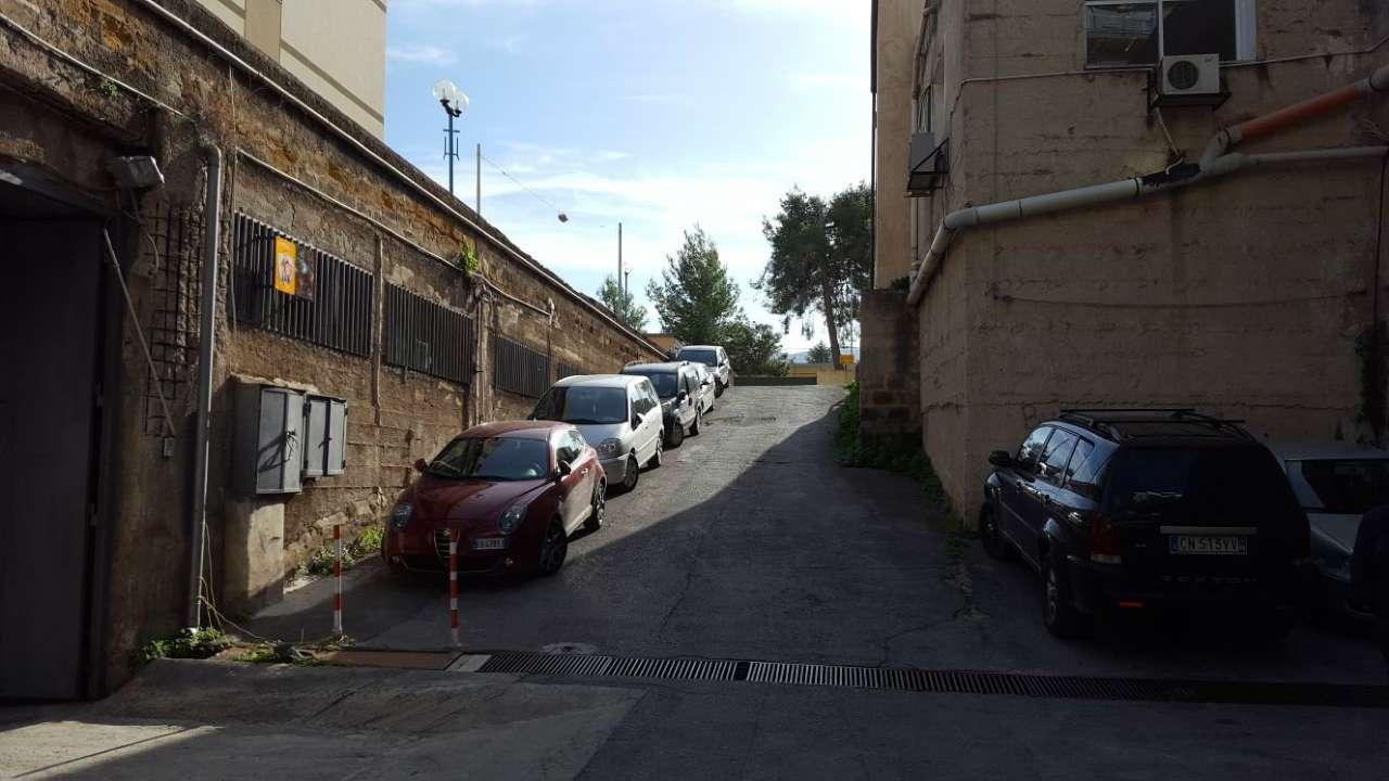 Magazzino in Affitto a Palermo Periferia: 1 locali, 100 mq