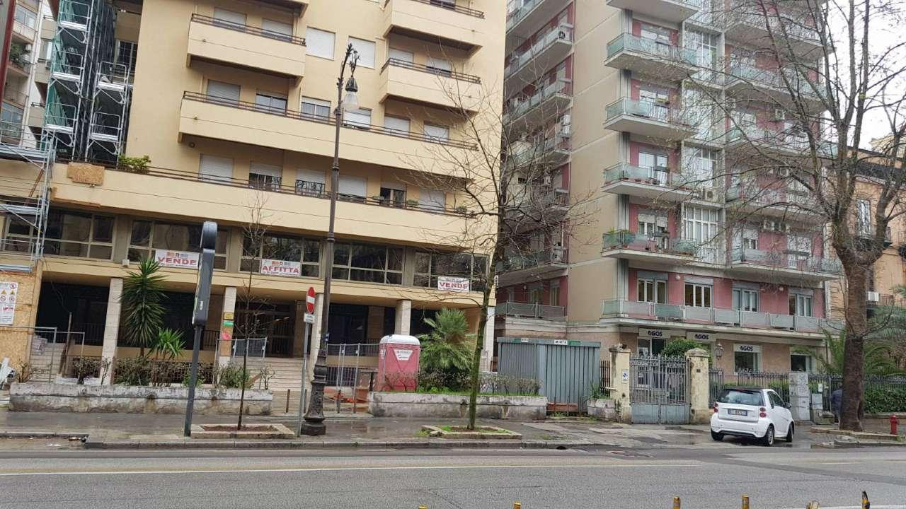 Negozio-locale in Vendita a Palermo Centro: 720 mq  - Foto 1