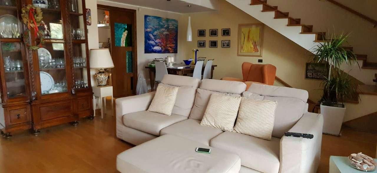 Appartamento in Affitto a Palermo Periferia: 5 locali, 135 mq