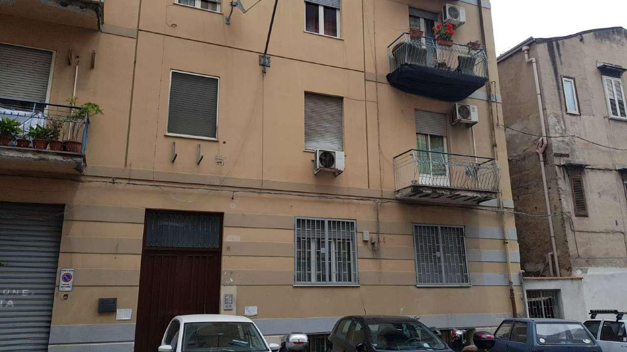 Magazzino in Vendita a Palermo Periferia: 210 mq  - Foto 1