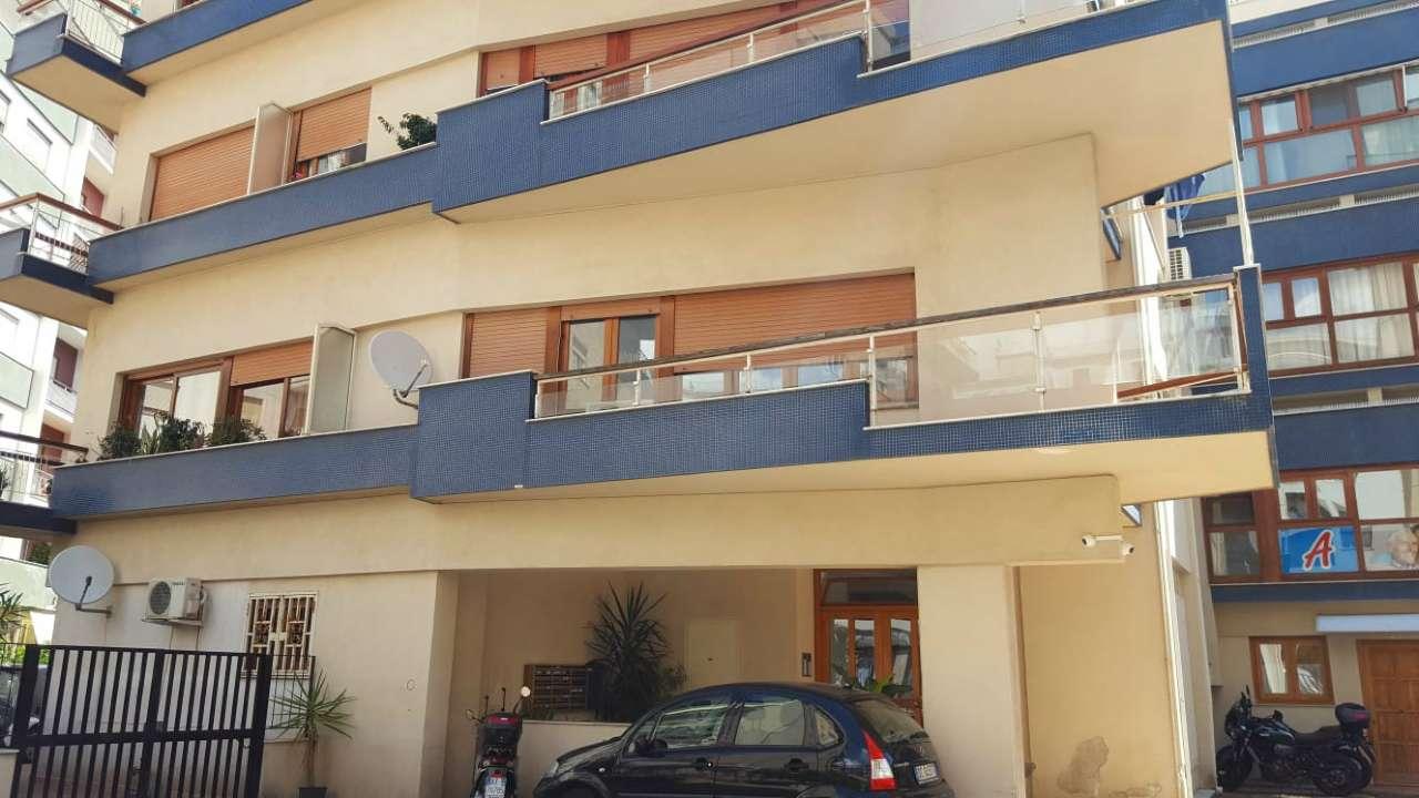 Appartamento in affitto a palermo via sciuti trovocasa for Affitto arredato palermo