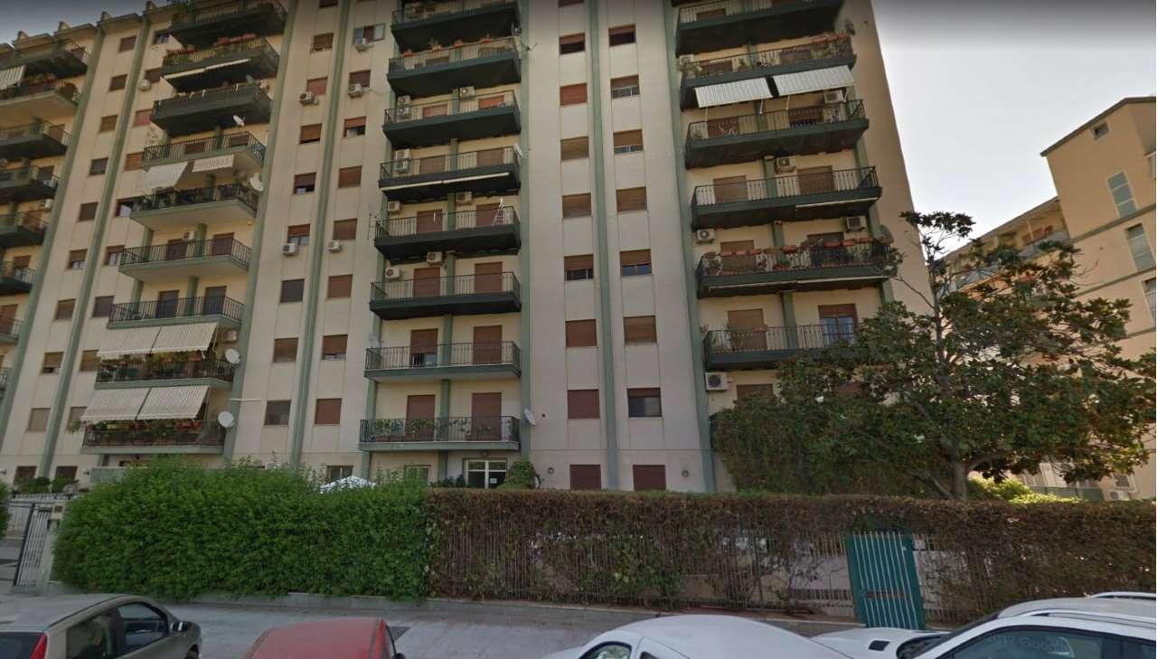Appartamento in Vendita a Palermo Centro: 5 locali, 165 mq