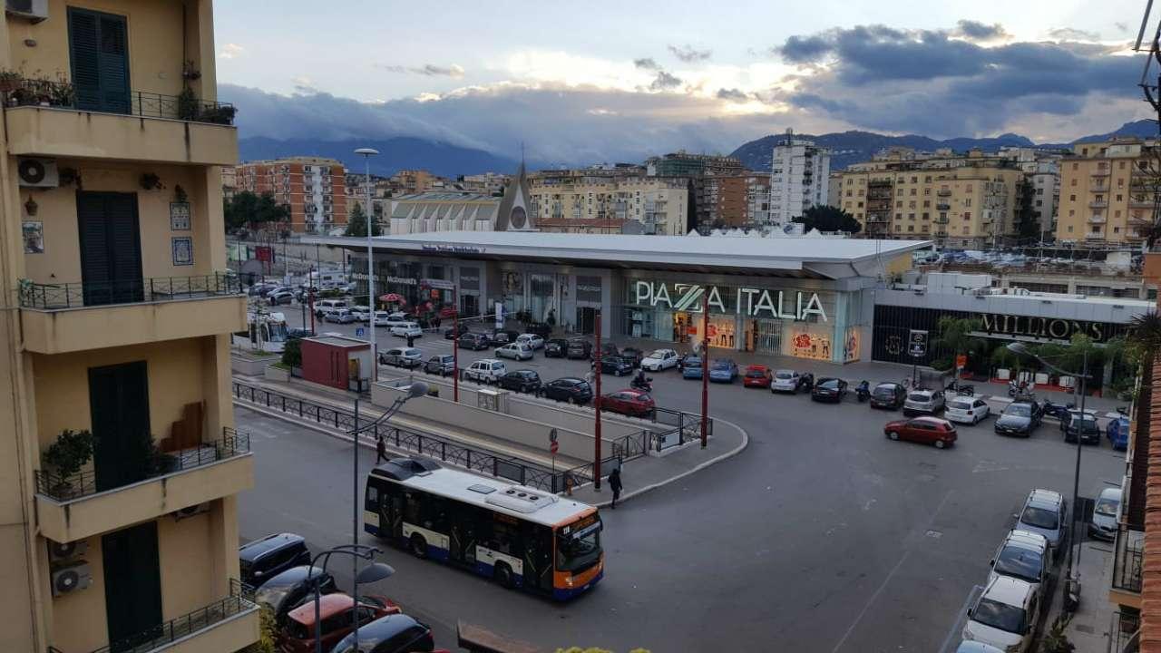 Appartamento in Affitto a Palermo Centro: 4 locali, 100 mq