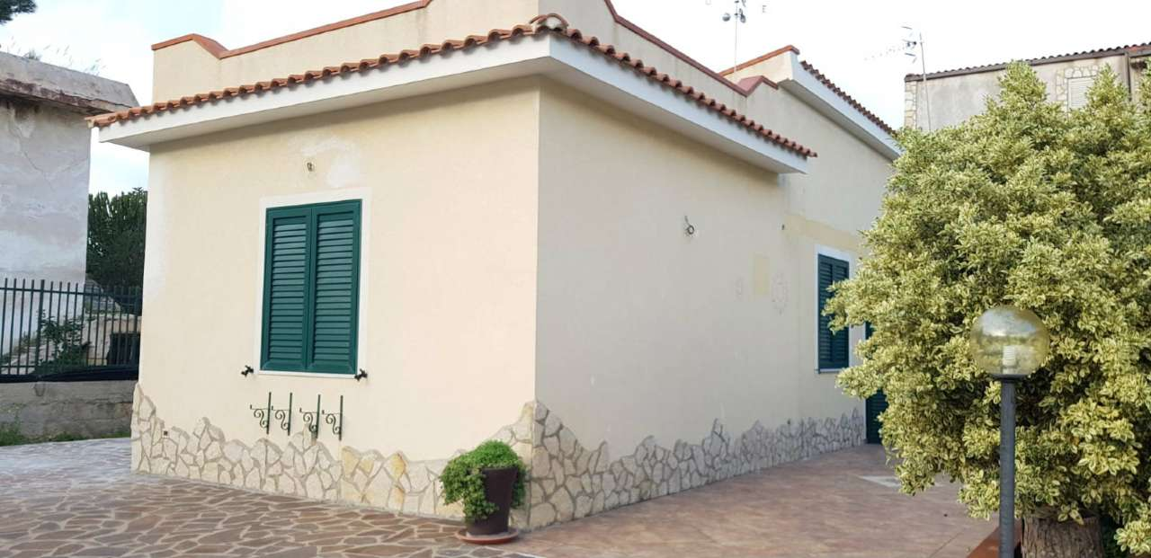 Villa in Vendita a Carini Periferia: 2 locali, 66 mq