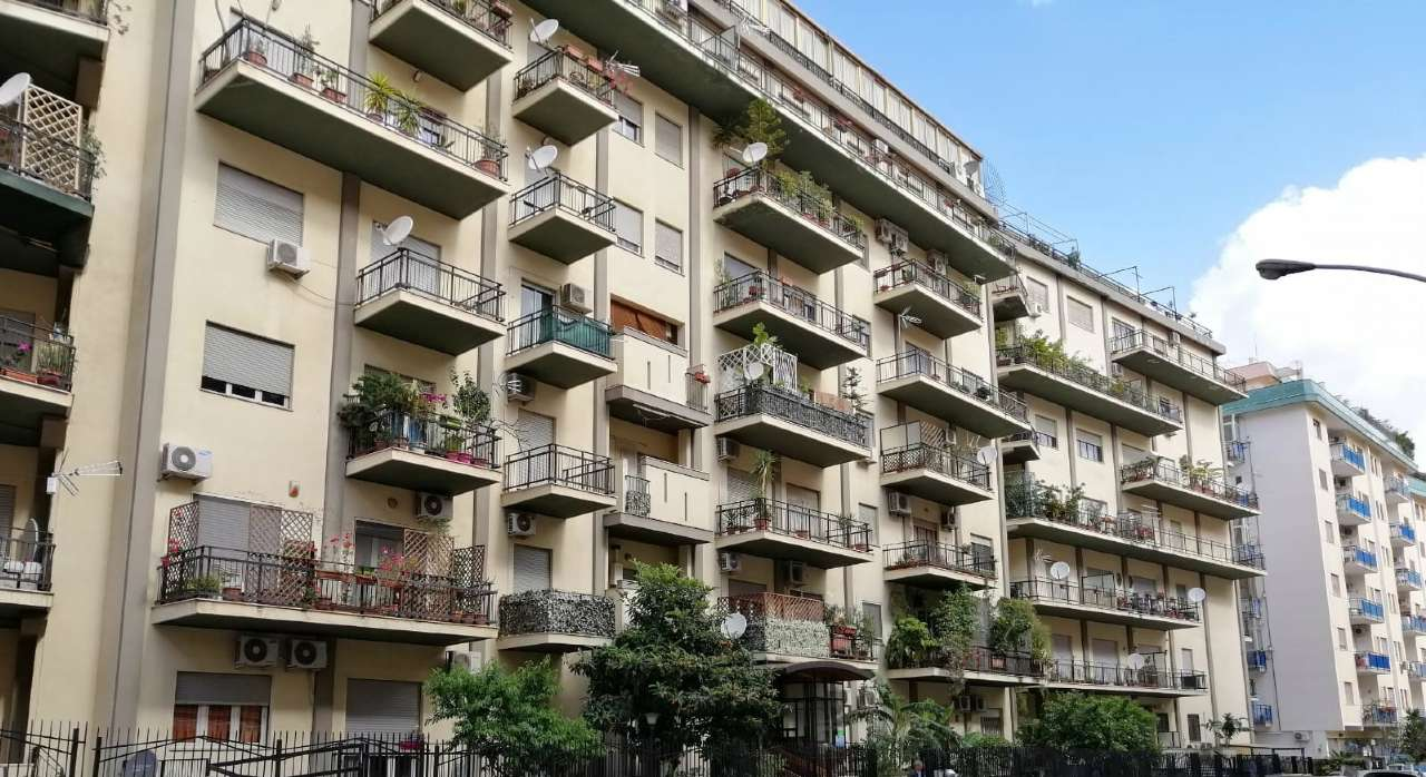 Appartamento in Vendita a Palermo Periferia: 4 locali, 125 mq