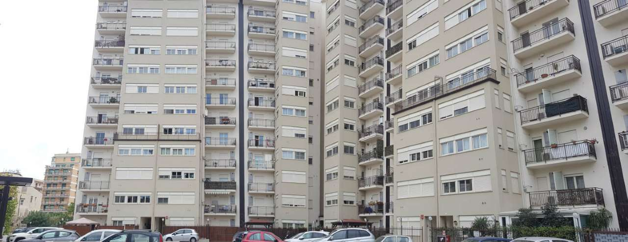 Appartamento in Vendita a Palermo Centro: 3 locali, 70 mq