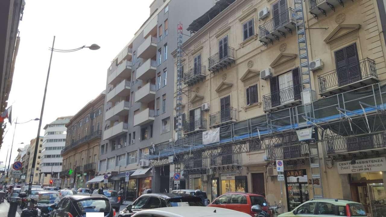 Appartamento in Affitto a Palermo Centro: 4 locali, 125 mq