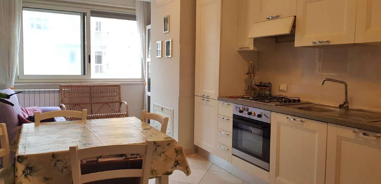 Appartamento in Vendita a Palermo Periferia: 3 locali, 95 mq
