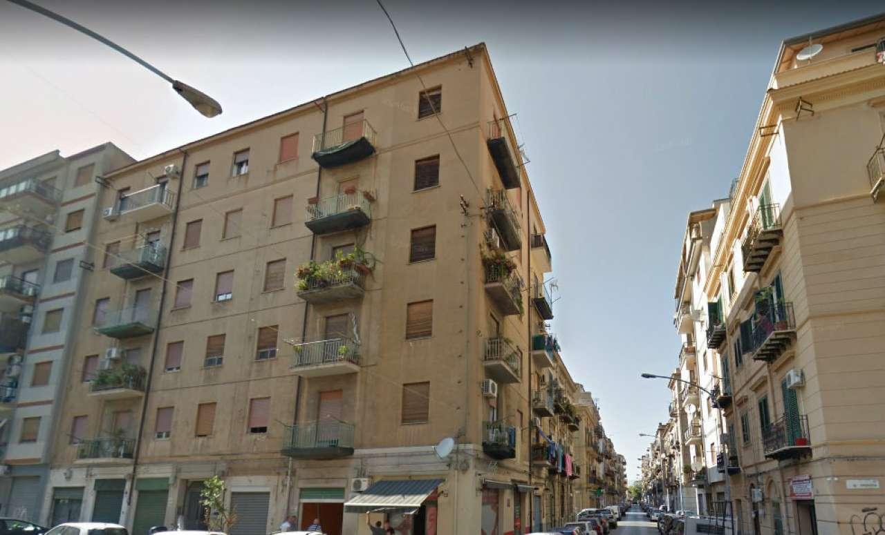 Appartamento in Affitto a Palermo Centro: 4 locali, 85 mq