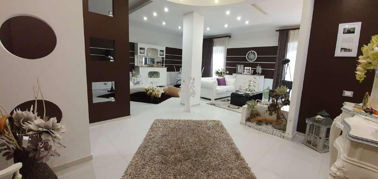 Appartamento in Vendita a Isola Delle Femmine Periferia: 5 locali, 200 mq