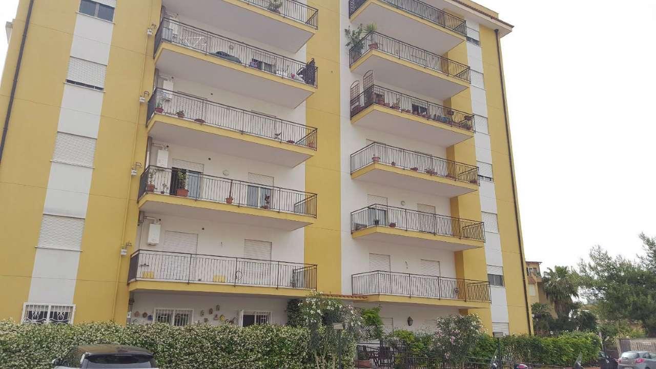 Appartamento in Affitto a Palermo Periferia: 3 locali, 95 mq