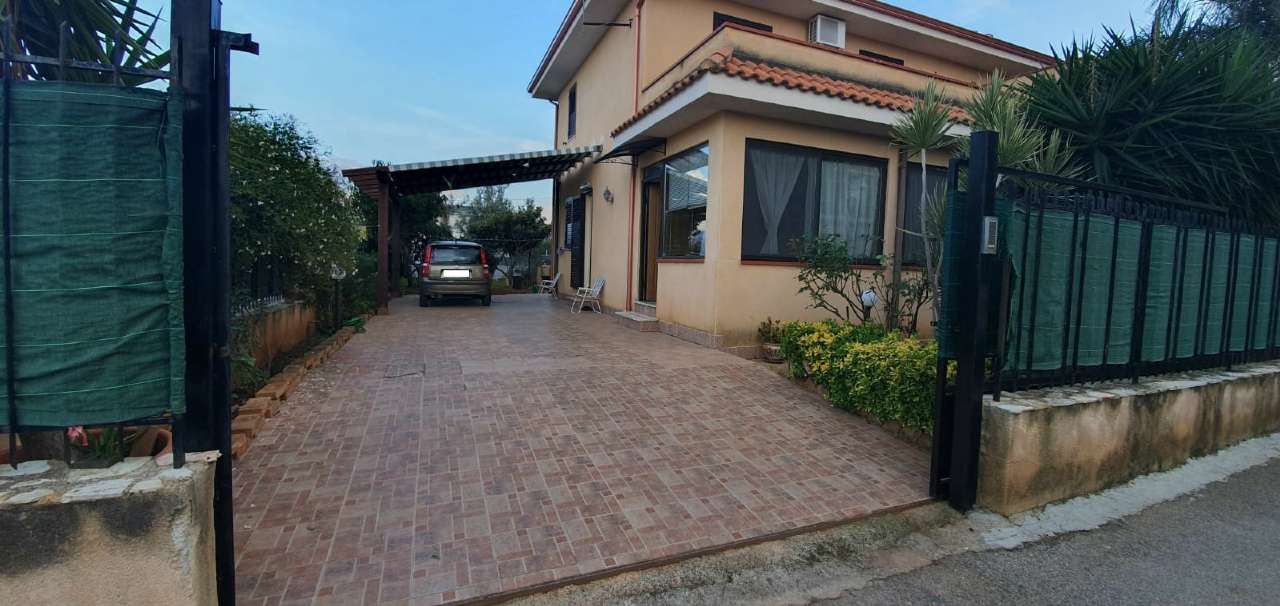 Villa in Vendita a Carini Periferia: 5 locali, 140 mq