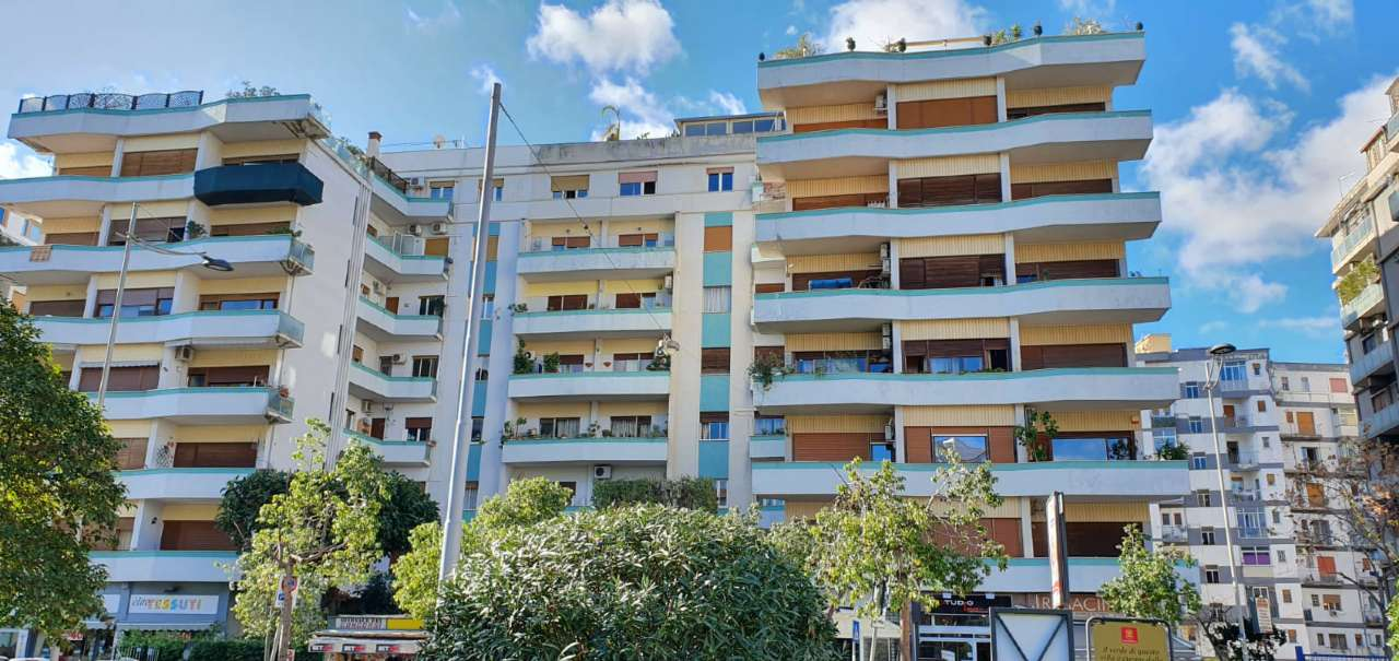 Appartamento in Affitto a Palermo Centro: 5 locali, 165 mq