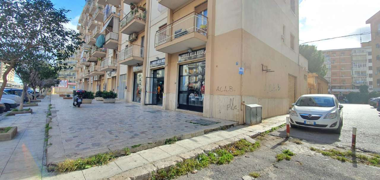 Negozio-locale in Vendita a Palermo Periferia: 1 locali, 32 mq