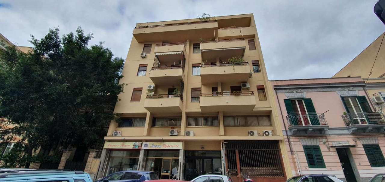 Ufficio-studio in Affitto a Palermo Centro: 3 locali, 60 mq