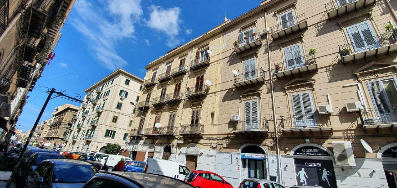 Appartamento in Vendita a Palermo Centro: 5 locali, 155 mq