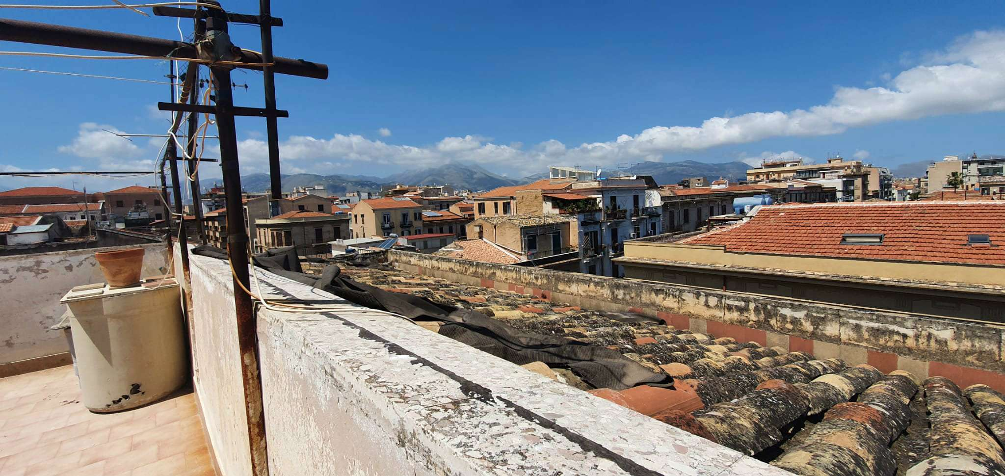 Appartamento in Vendita a Palermo Centro:  4 locali, 140 mq  - Foto 1