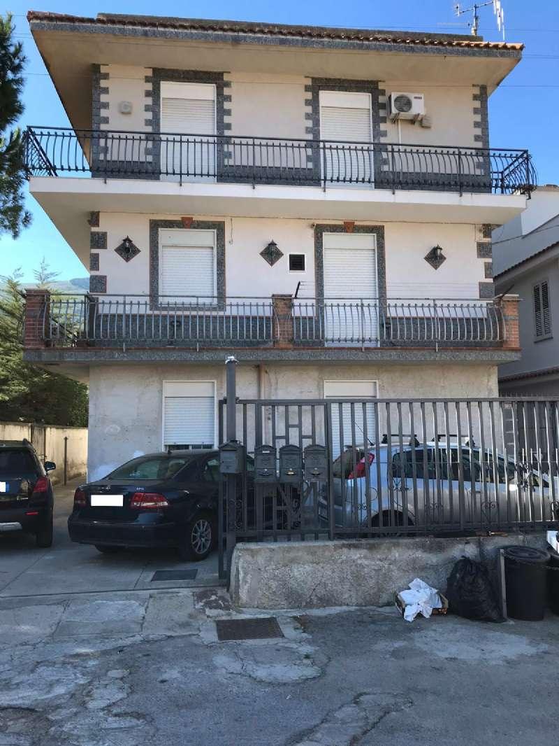 Appartamento in Affitto a Carini: 3 locali, 70 mq