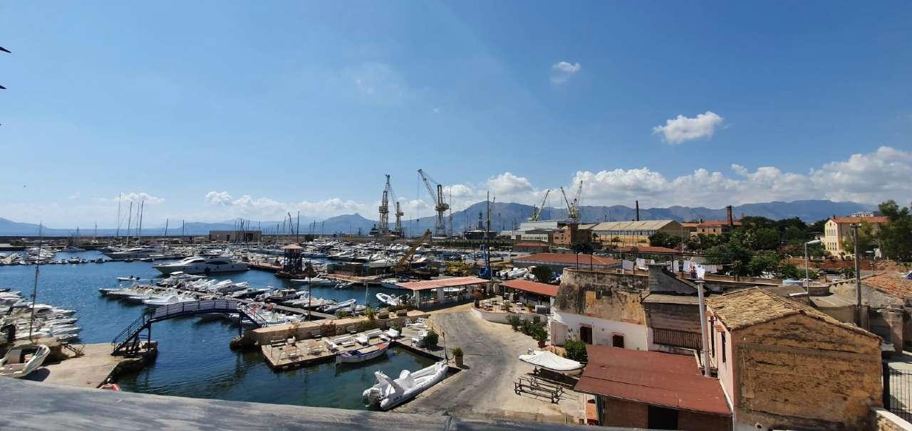 Appartamento in Vendita a Palermo Periferia: 2 locali, 65 mq