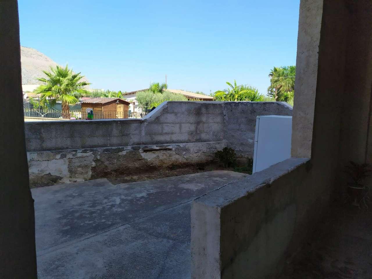 Appartamento in Vendita a Carini Periferia: 5 locali, 150 mq