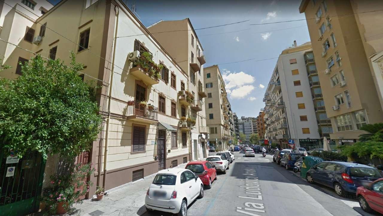 Appartamento in Vendita a Palermo Centro:  3 locali, 95 mq  - Foto 1