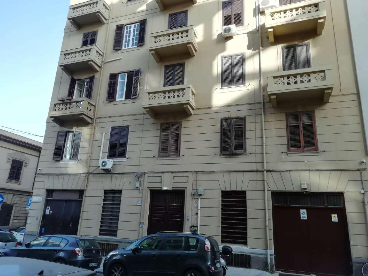 Ufficio-studio in Affitto a Palermo Centro: 5 locali, 140 mq