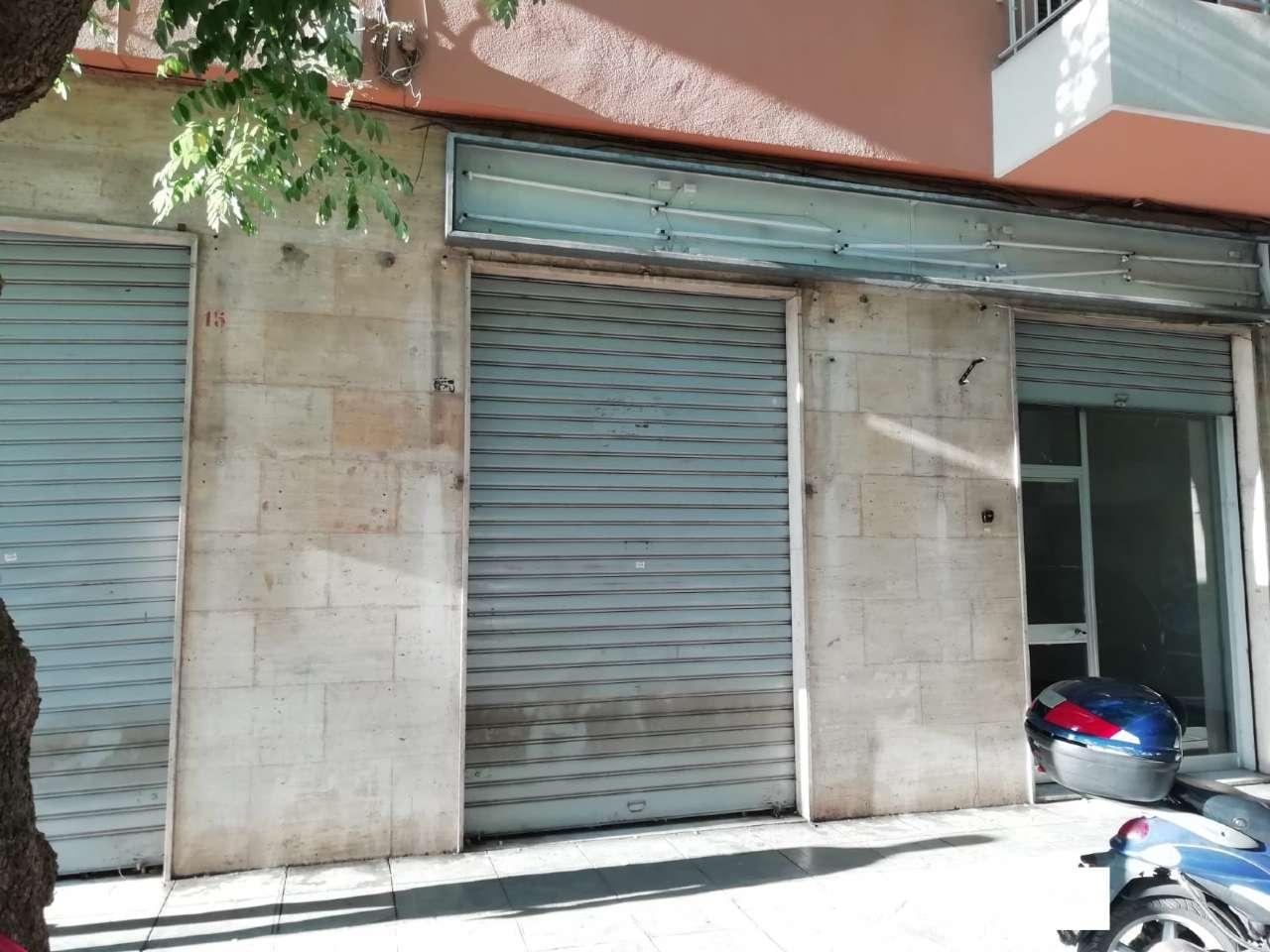 Negozio-locale in Affitto a Palermo Centro: 1 locali, 60 mq