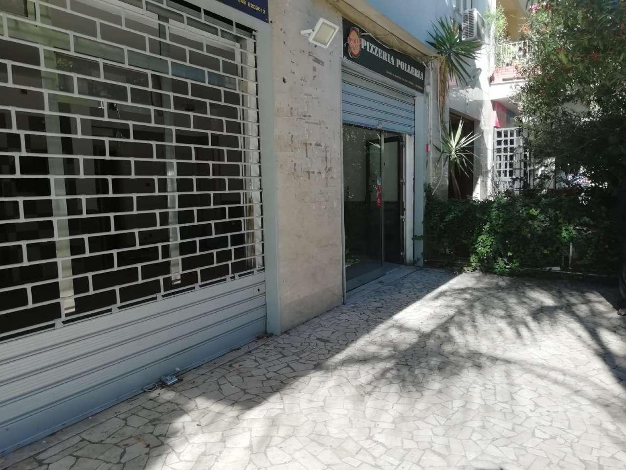 Negozio-locale in Affitto a Palermo Centro: 1 locali, 40 mq