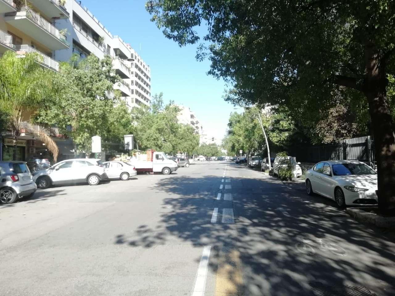 Negozio-locale in Affitto a Palermo: 3 locali, 40 mq
