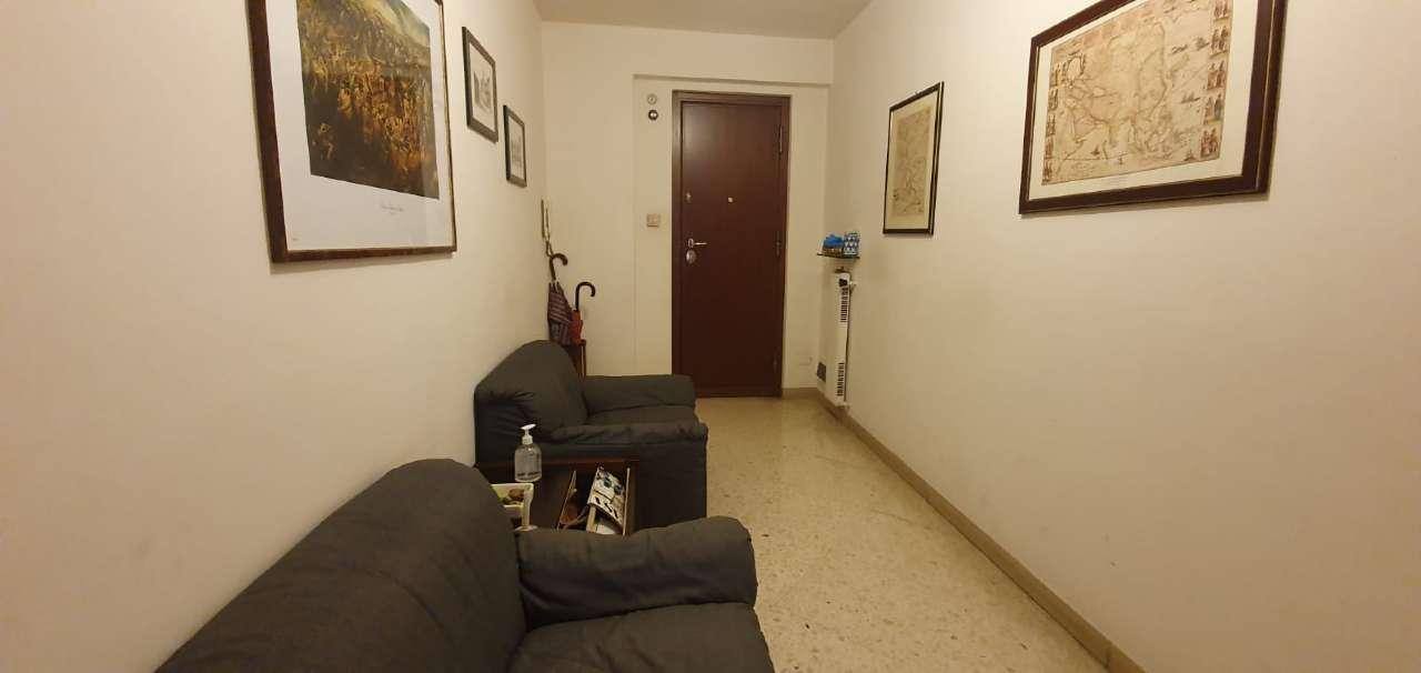 Ufficio-studio in Affitto a Palermo Centro: 2 locali, 50 mq