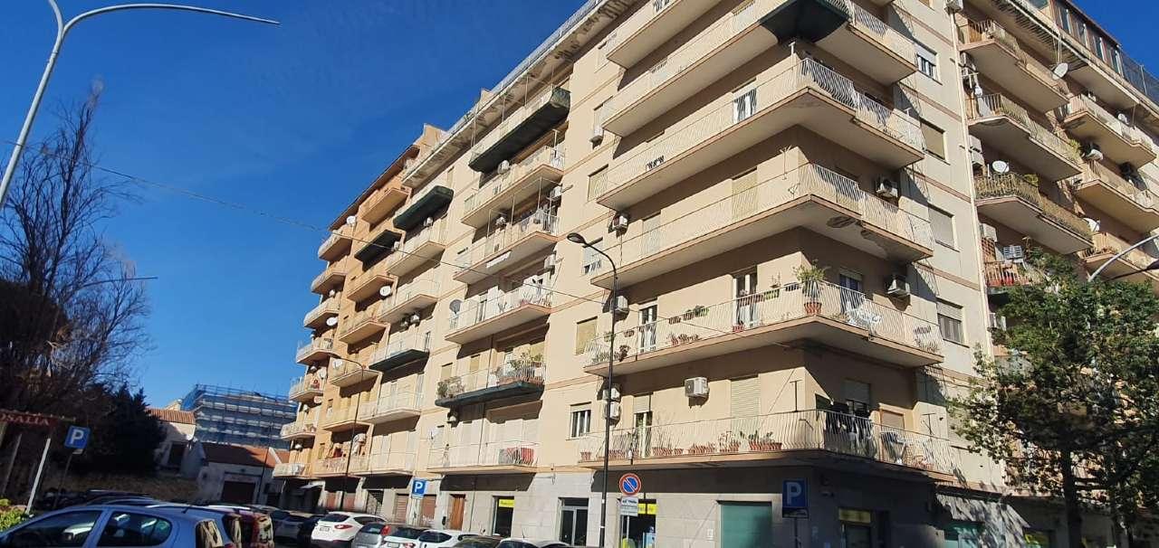 Appartamento in Vendita a Palermo Semicentro Est: 4 locali, 100 mq