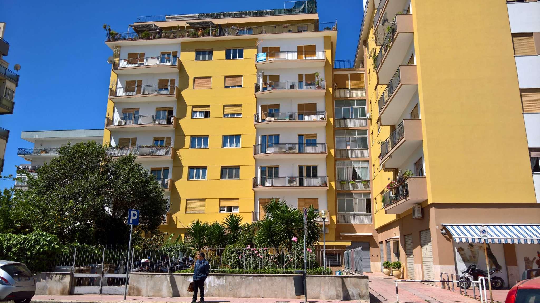 Magazzino in Vendita a Palermo: 1 locali, 45 mq