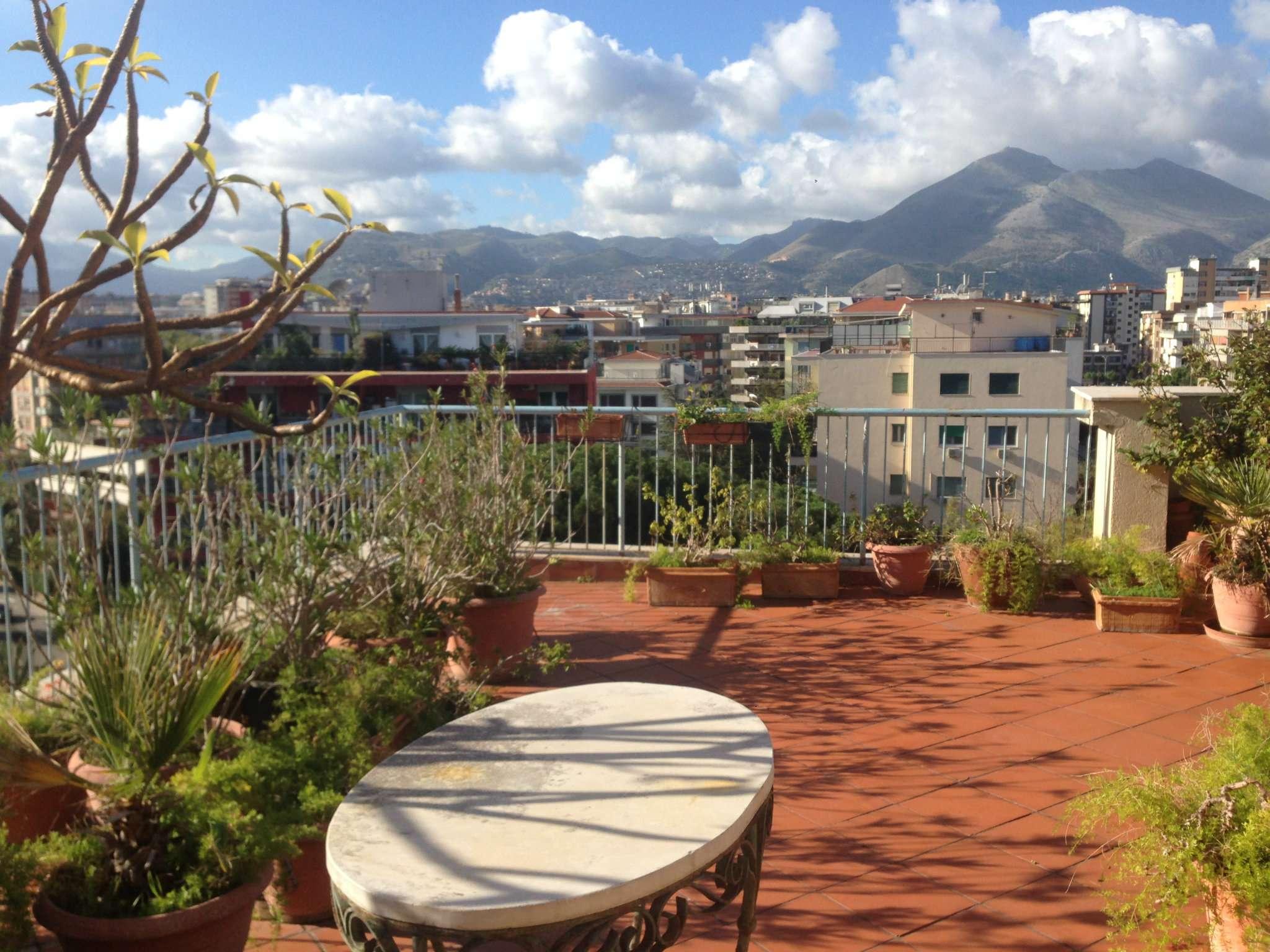 Attico in Vendita a Palermo: 5 locali, 268 mq