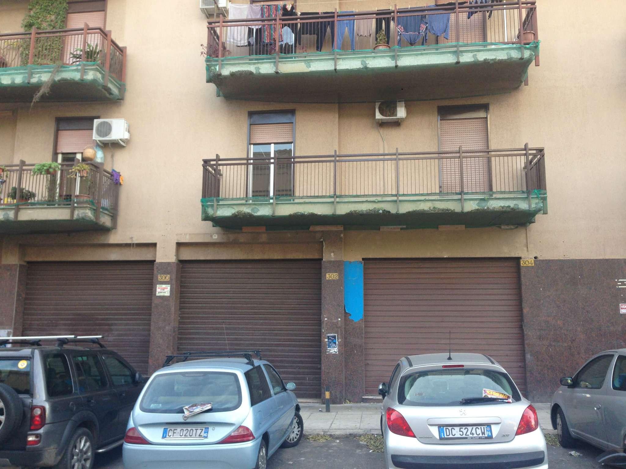 Negozio-locale in Vendita a Palermo: 1 locali, 70 mq