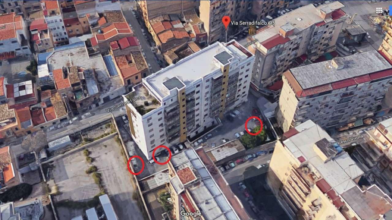 Posto-box auto in Vendita a Palermo: 10 mq