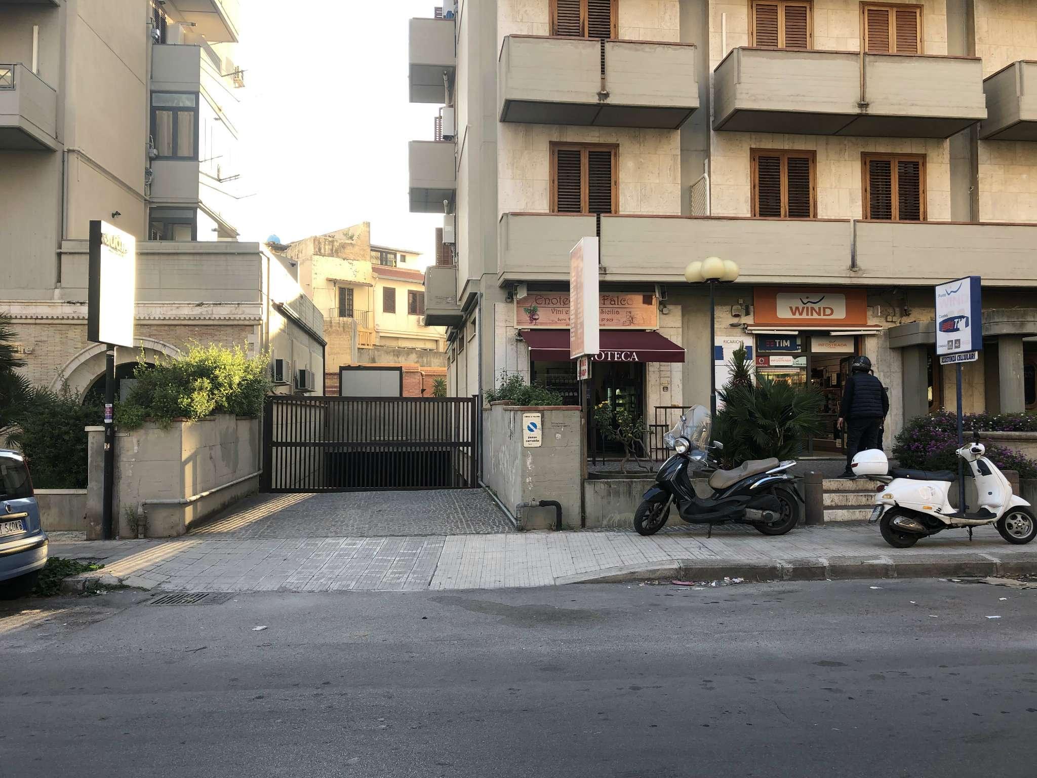 Posto-box auto in Vendita a Palermo: 116 mq