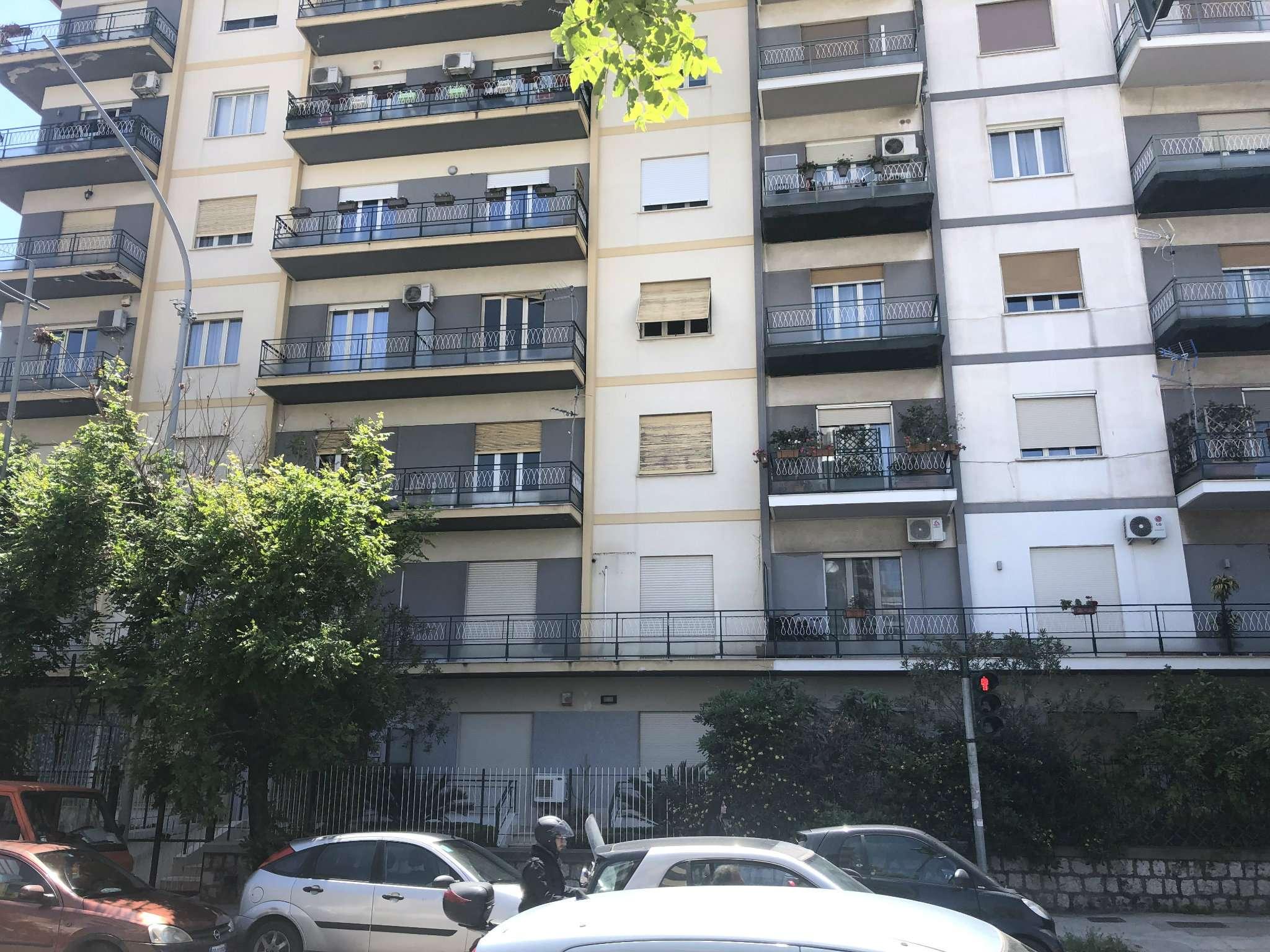 Appartamento in Affitto a Palermo: 4 locali, 130 mq