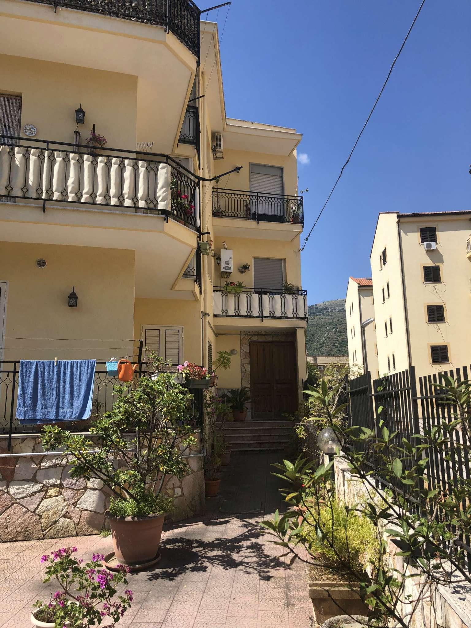 Appartamento in Vendita a Palermo: 5 locali, 165 mq