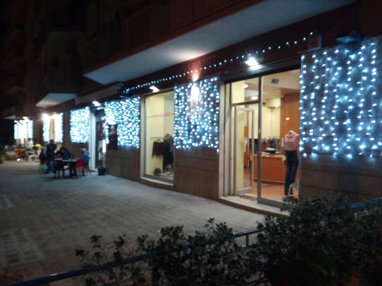Negozio-locale in Affitto a Palermo: 2 locali, 60 mq