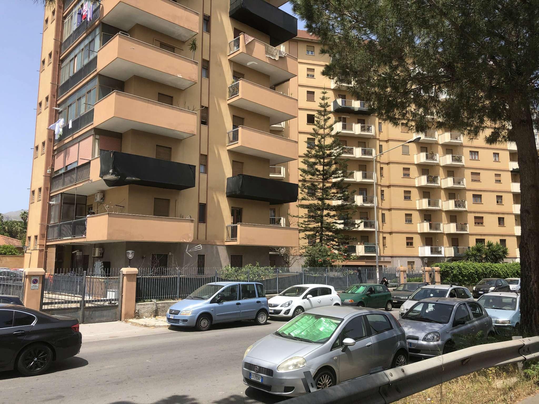 Appartamento in Vendita a Palermo: 4 locali, 125 mq