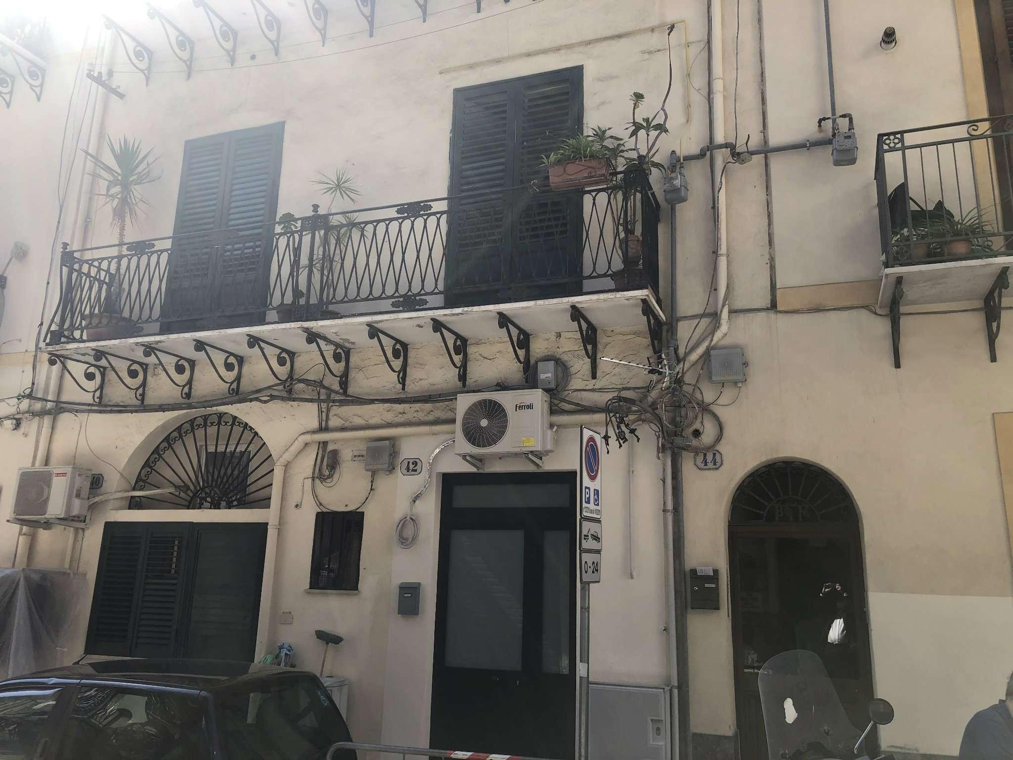 Appartamento in Vendita a Palermo: 4 locali, 90 mq