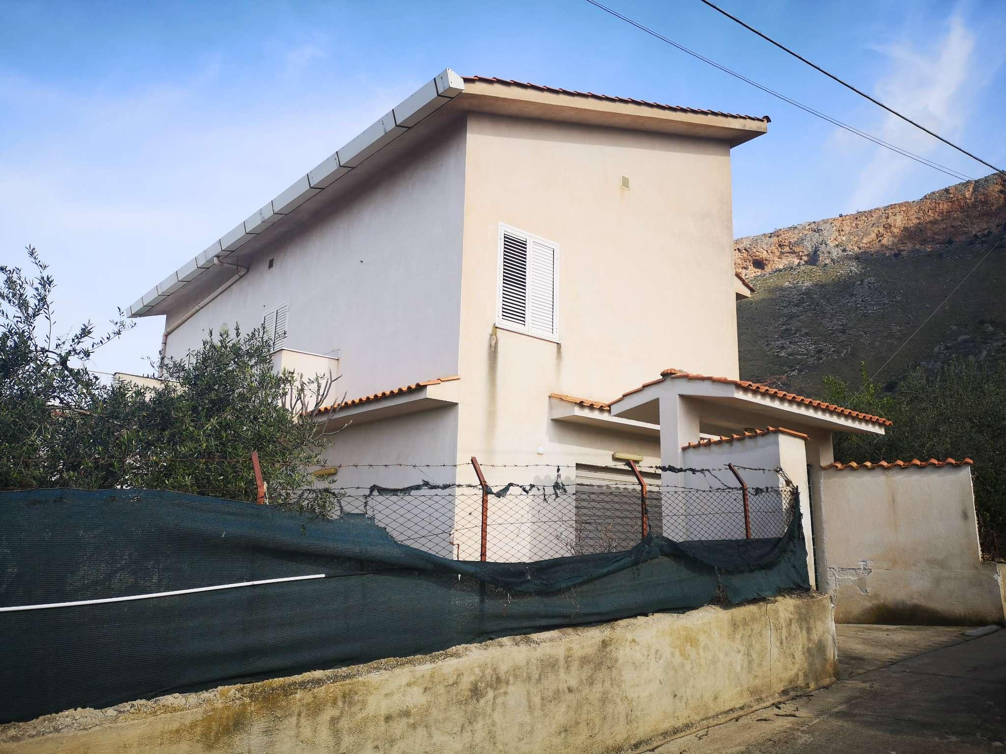 Villa in Vendita a Terrasini: 5 locali, 170 mq