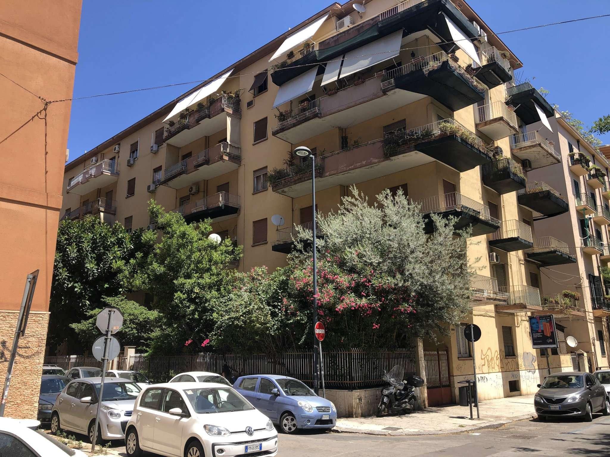 Appartamento in Vendita a Palermo:  5 locali, 160 mq  - Foto 1