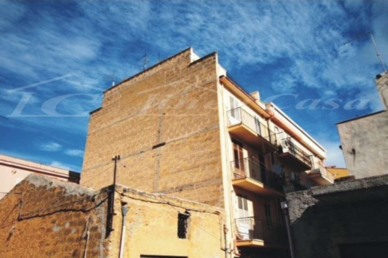 Appartamento in vendita a Altavilla Milicia, 3 locali, prezzo € 60.000   CambioCasa.it