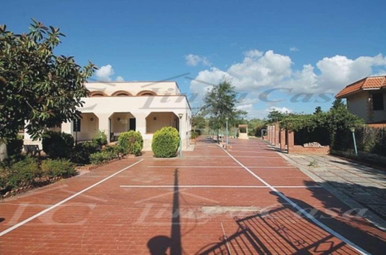 Villa in vendita a Altavilla Milicia, 7 locali, prezzo € 270.000   CambioCasa.it