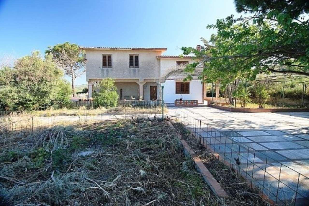 Villa in vendita a Termini Imerese, 8 locali, prezzo € 110.000 | CambioCasa.it