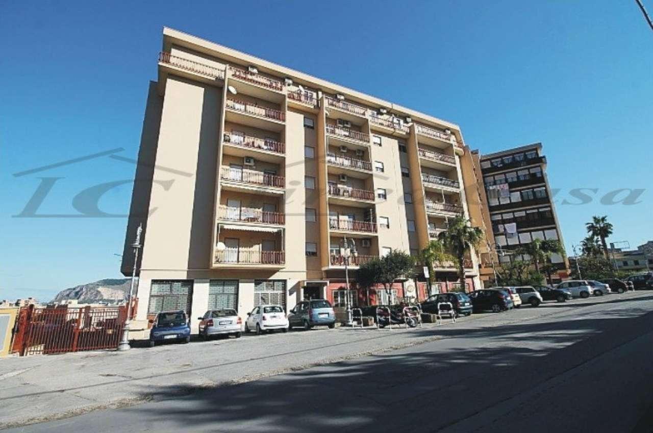 Appartamento in vendita a Bagheria, 5 locali, prezzo € 120.000 | CambioCasa.it